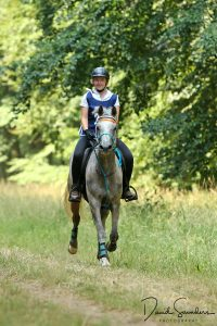 Ella Bunting aboard Aly's Estrella de Rock on their way to winning the 2018 Endurance GB Young Rider National Championships