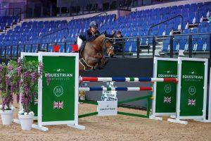 Tatiane Mauree winning on Horseabout Zibu